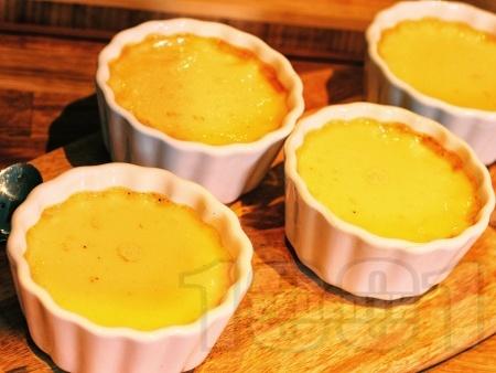 Крем карамел (ВИДЕО) - лесна и вкусна домашна рецепта - снимка на рецептата